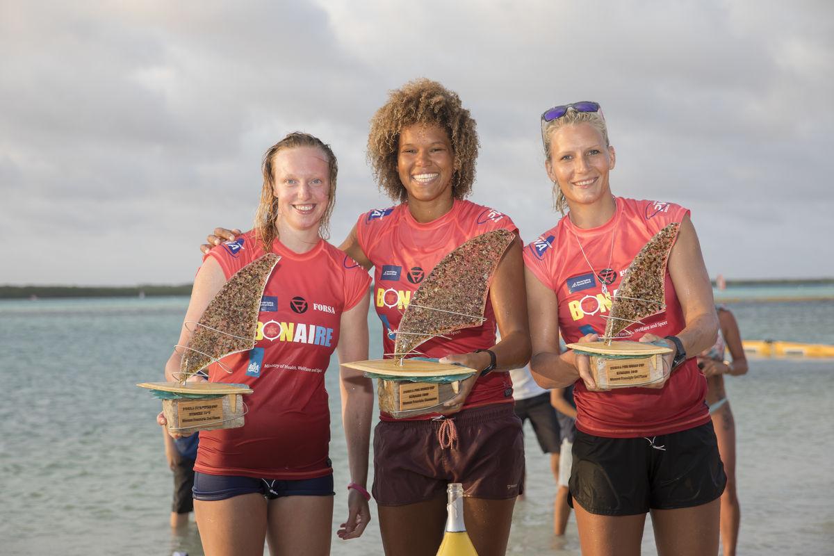 Women's podium - Maaike Huvermann, Sarah-Quita Offringa & Oda Johanne (left to right)